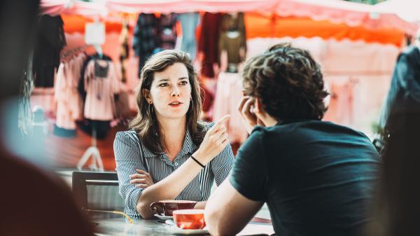 Dramaturg Ruth Mariën geeft feedback voor gevorderden