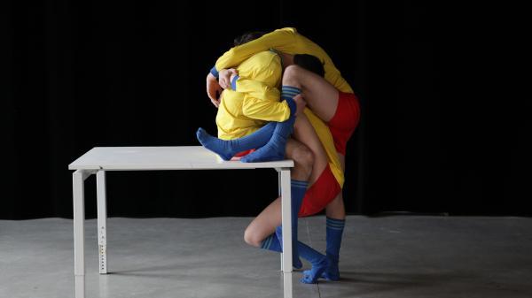 De dunne lijn tussen beeldende kunst en theater